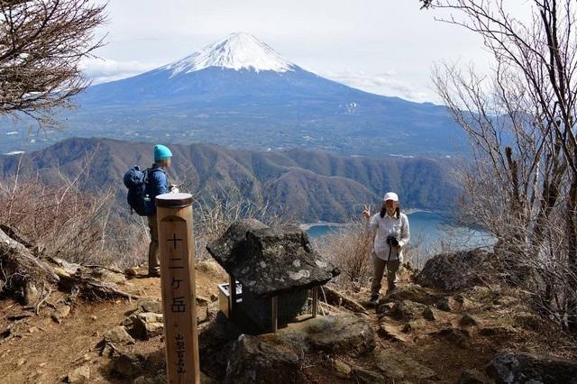 十二ガ岳頂上.jpg